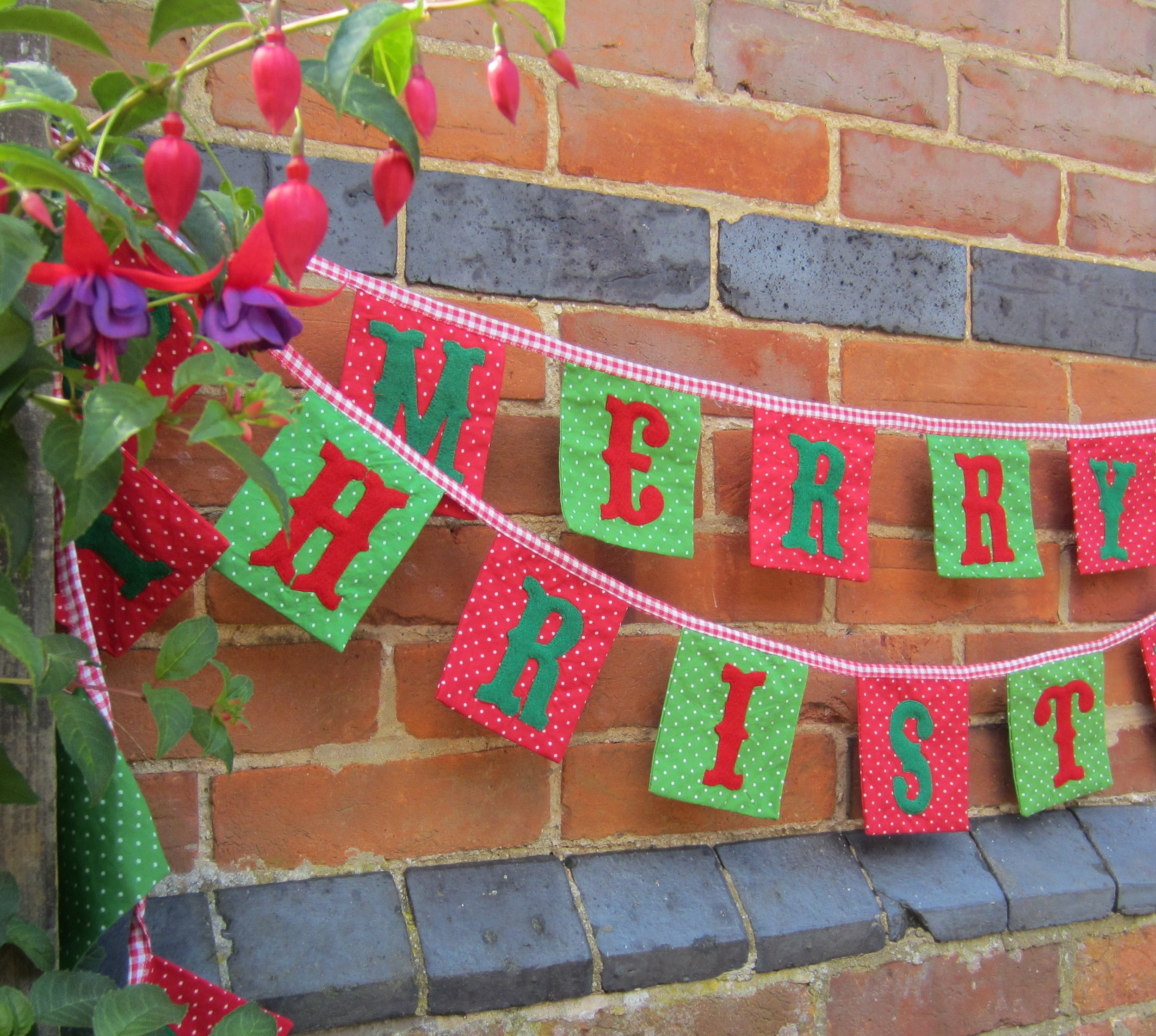 Bunting Ideas On Pinterest Buntings Christmas Bunting