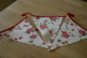 Red Roses Bunting